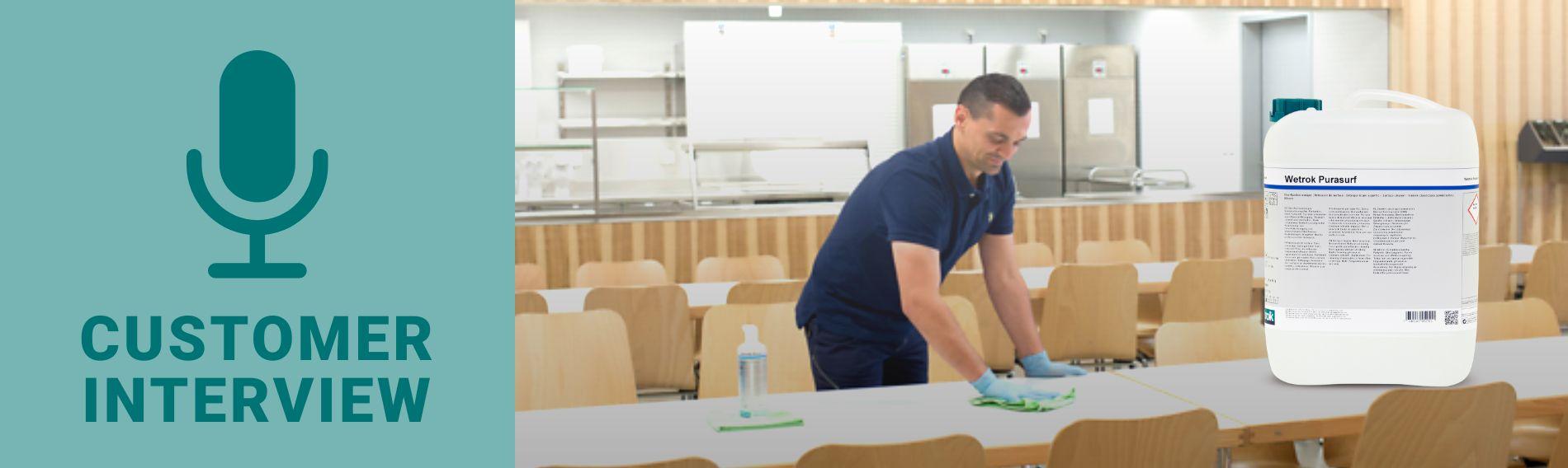Rozmowy z klientami na temat zastosowania uniwersalnego środka do czyszczenia
